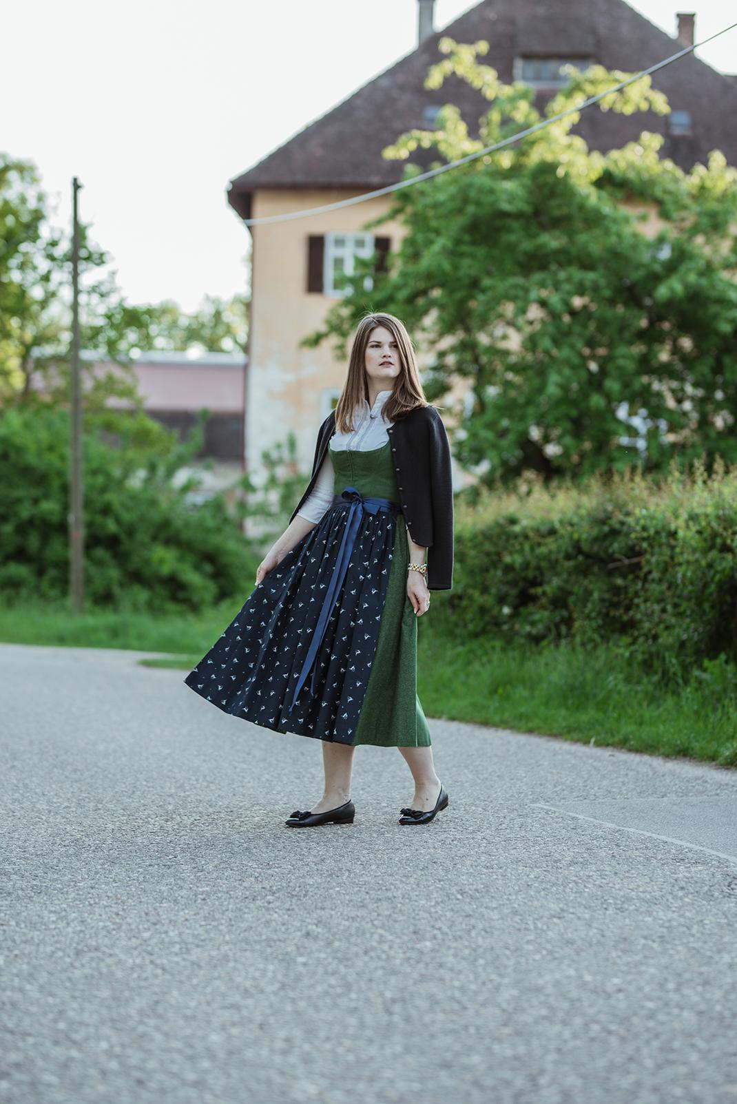 Josefine Tracht- 1 Dirndl, 6 Looks